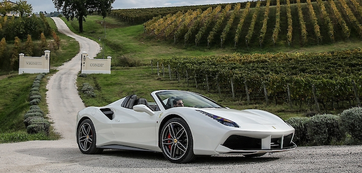 Gift for men on February 23: 1-day tour of the Val d'orcia by Ferrari